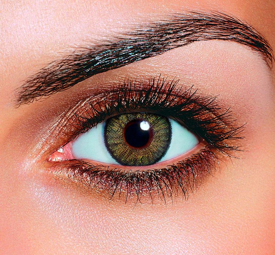 как сделать эффект белых глаз на фото наш герой