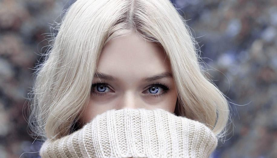 Зуд, покраснение, жжение и дискомфорт в глазах, уголках и вокруг глаз: причины и лечение. Глазные капли и народные средства от покраснения и зуда глаз для взрослых и детей