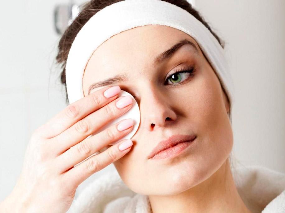 Можно ли промывать глаза борной кислотой людям
