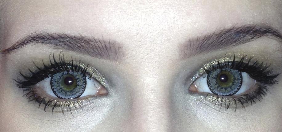 Серые глаза загадочные и интригующие