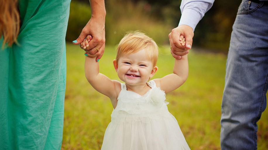 ребенок начинает активно осваивать через год
