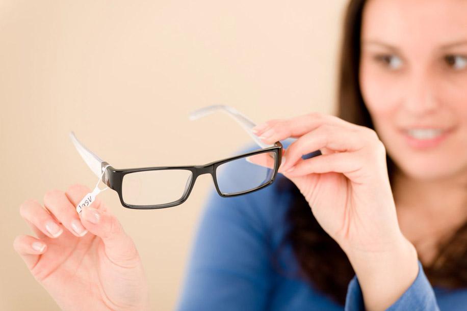 Нужно ли постоянно носить очки