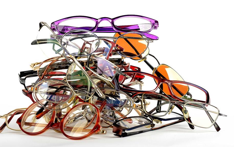 постоянно носить очки