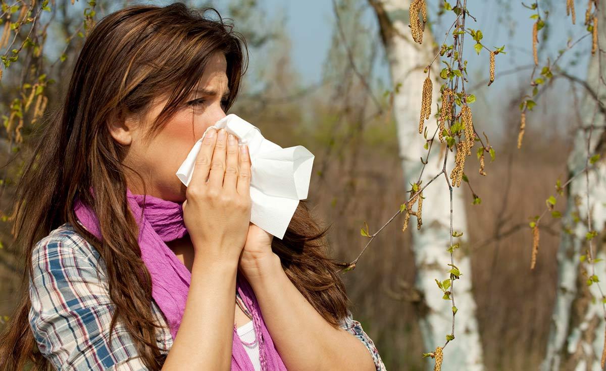 Аллергический конъюнктивит возникает как ответная реакция организма на действие какого-либо раздражителя
