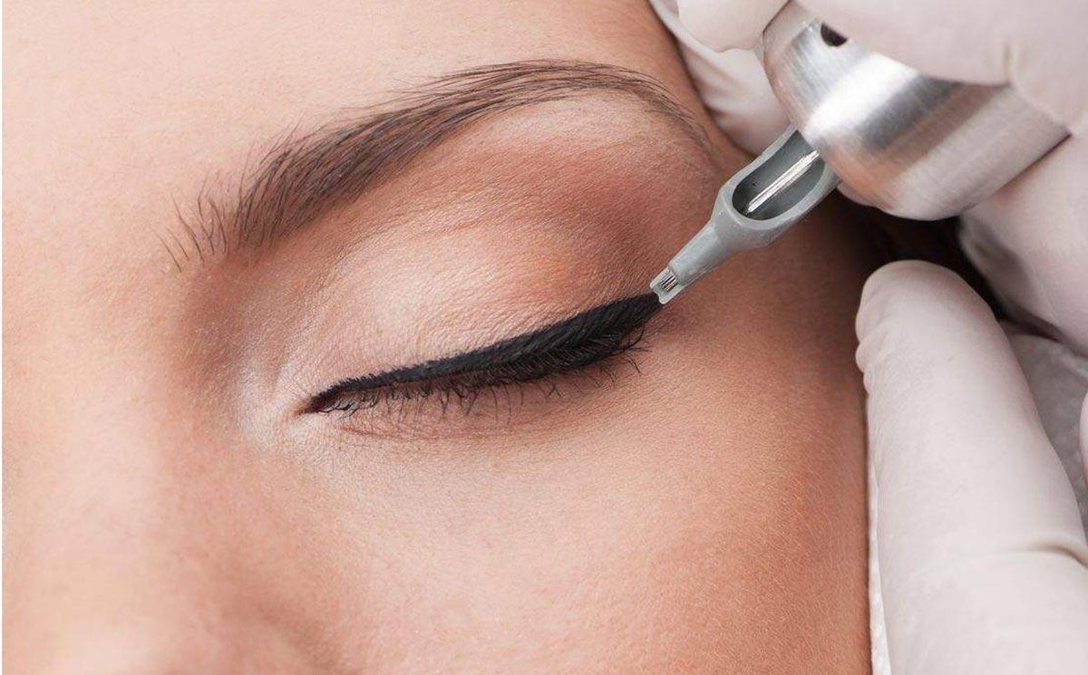 Перманентный макияж глаз очень популярен