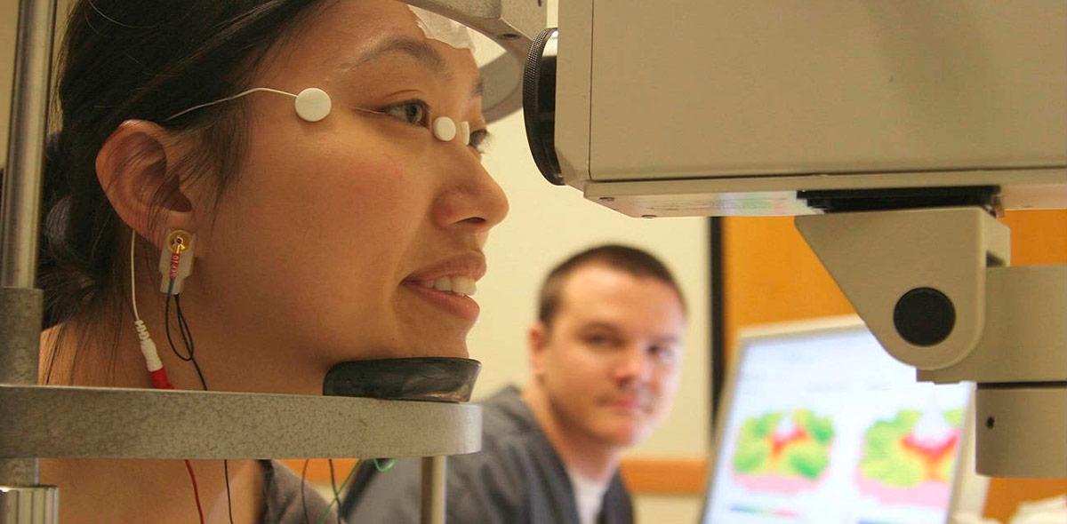 Миопия средней сетчатки глаза thumbnail