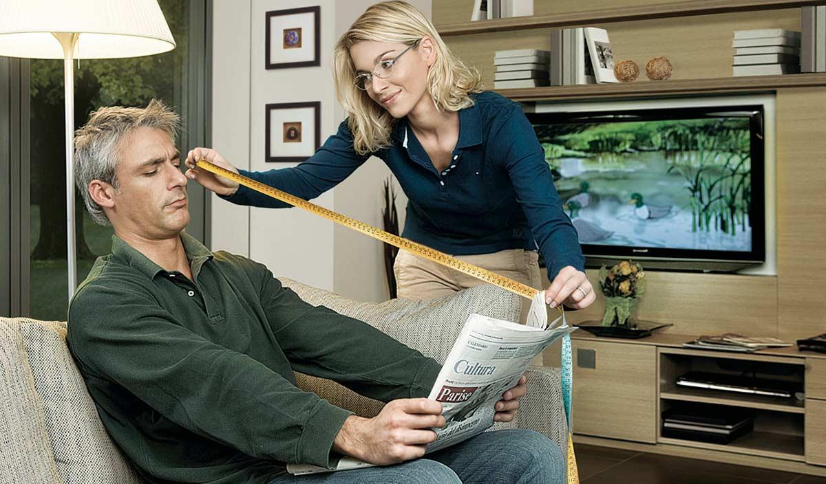 Многие люди с нормальным зрением после 40 лет начинают замечать, что при чтении хочется немного отодвинуть от себя источник информации