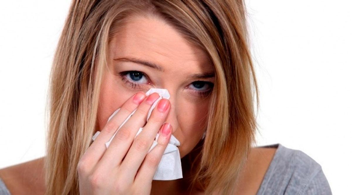 У больного развивается слезотечение