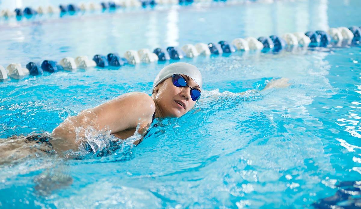 хламидиозом можно заразиться через воду при посещении бассейнов