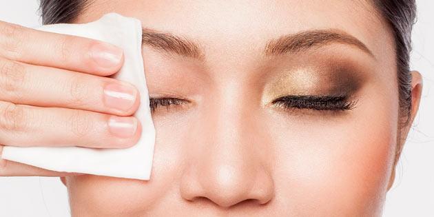 убрать косметику с глаз
