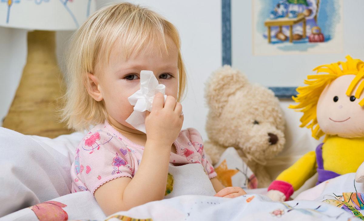 Заражение аденовирусом может быть в виде фарингоконъюнктивальной лихорадки