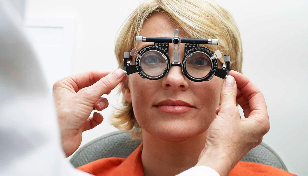 Очки для коррекции патологий — один из проверенных временем способов