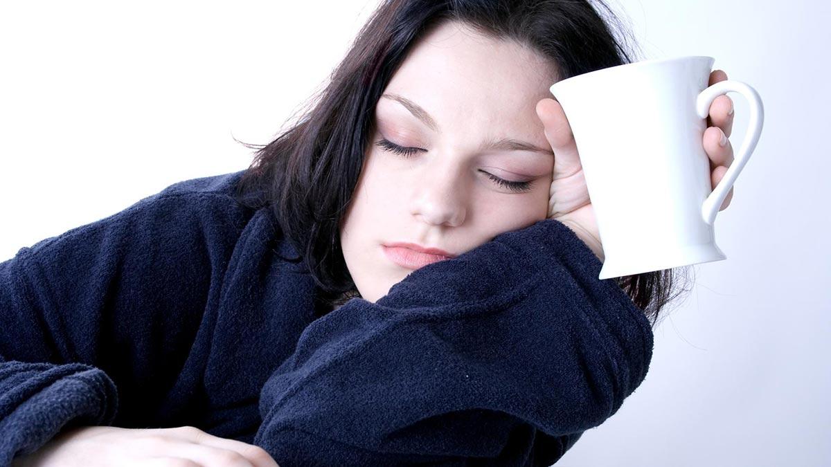 регулярное перенапряжение зрительных органов и недосыпы