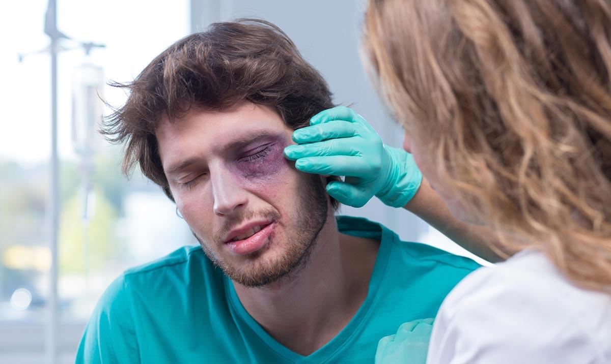 глаза после удара обязательно нужно проверить у офтальмолога