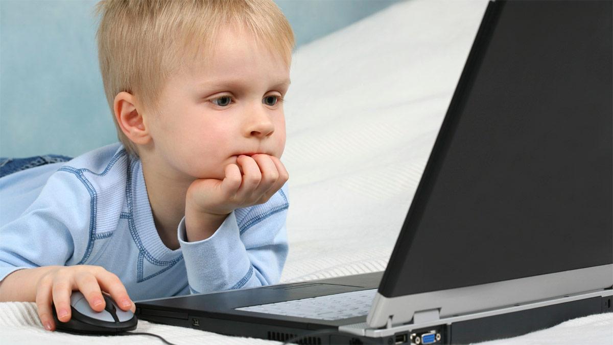свободное время дома за компьютером