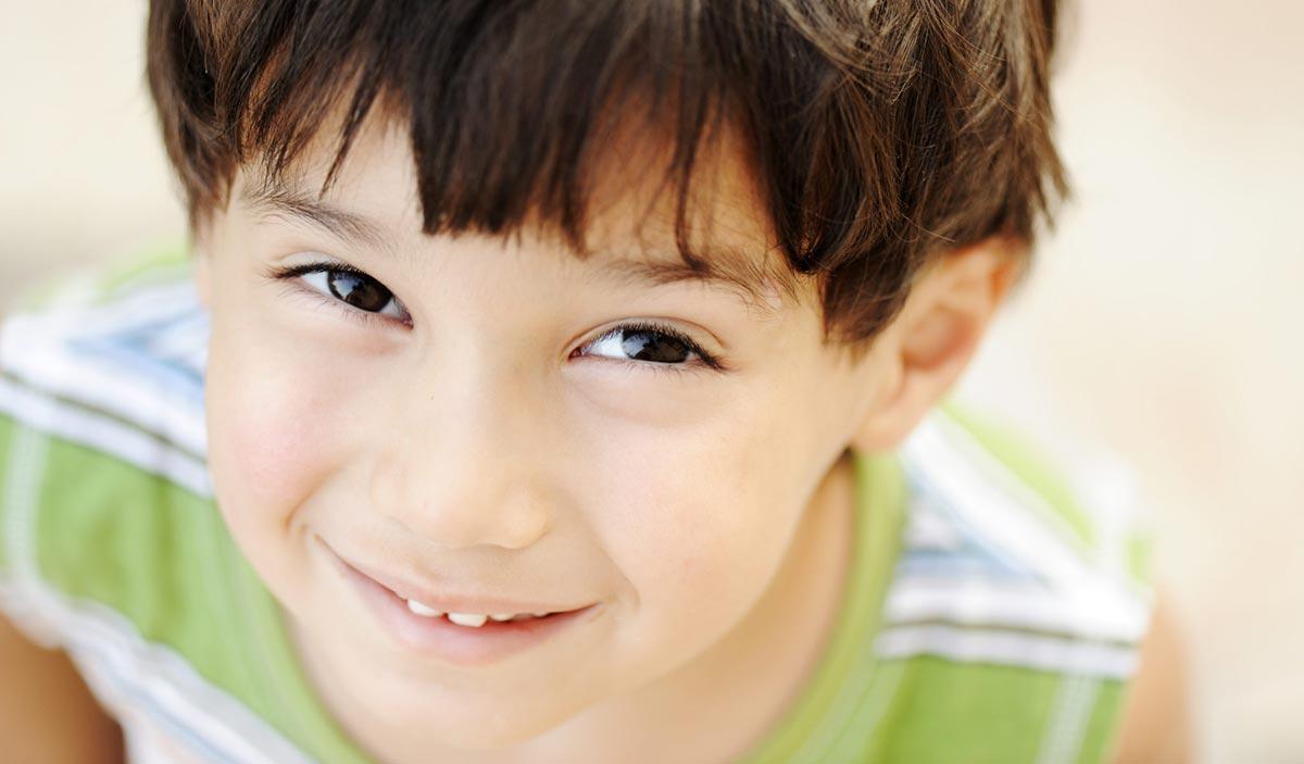 дети, если у них есть близорукость, будут щуриться при рассмотрении предметов