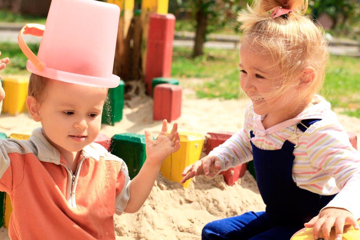 конъюнктивит у детей из-за высокой ее контагиозности и плохой гигиены