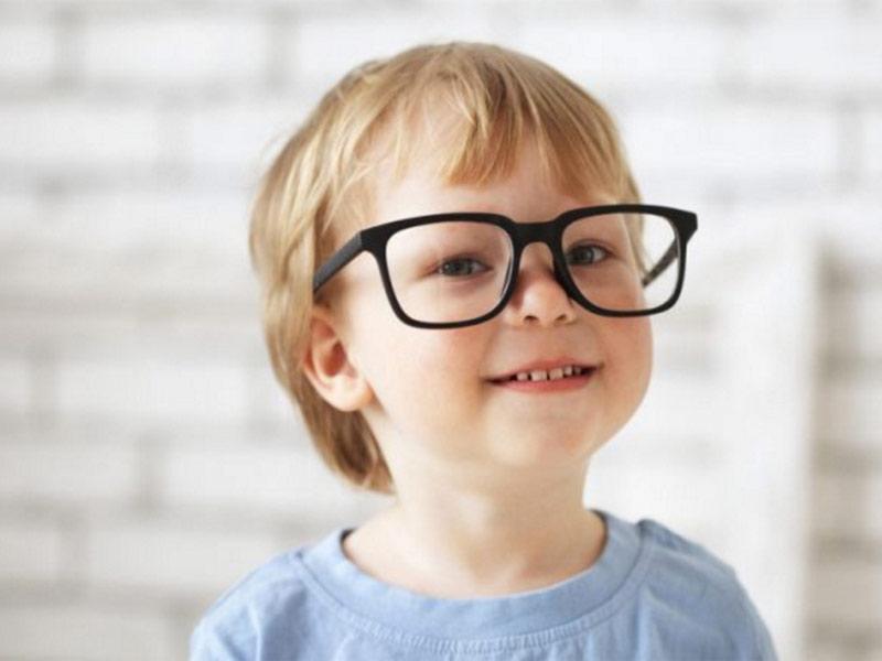 Нужно ли носить очки при близорукости постоянно?
