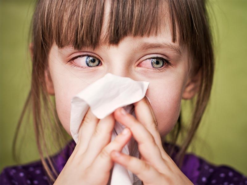 Конъюнктивит и насморк у ребенка: причины и лечение