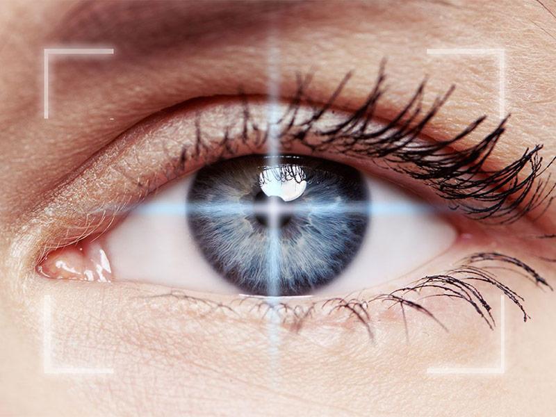 Как делается операция по замене хрусталика глаза