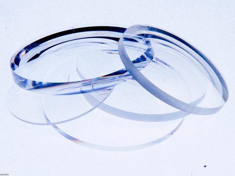 Параметры и характеристики контактных линз