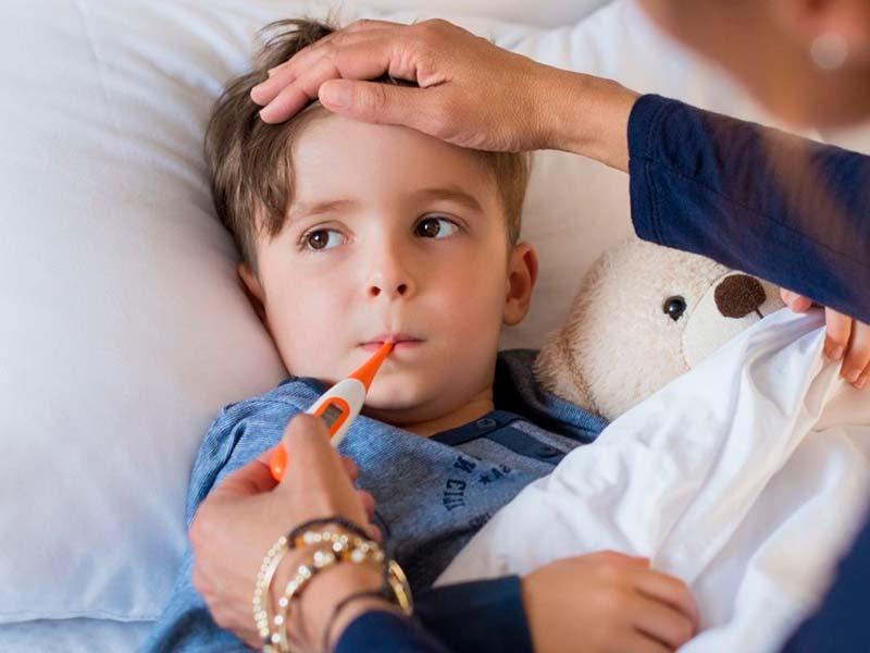 Щиплет глаза при температуре у ребенка