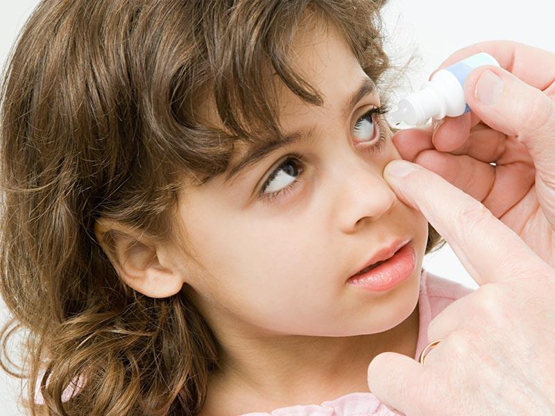 Чем промывать глаза при конъюнктивите у детей